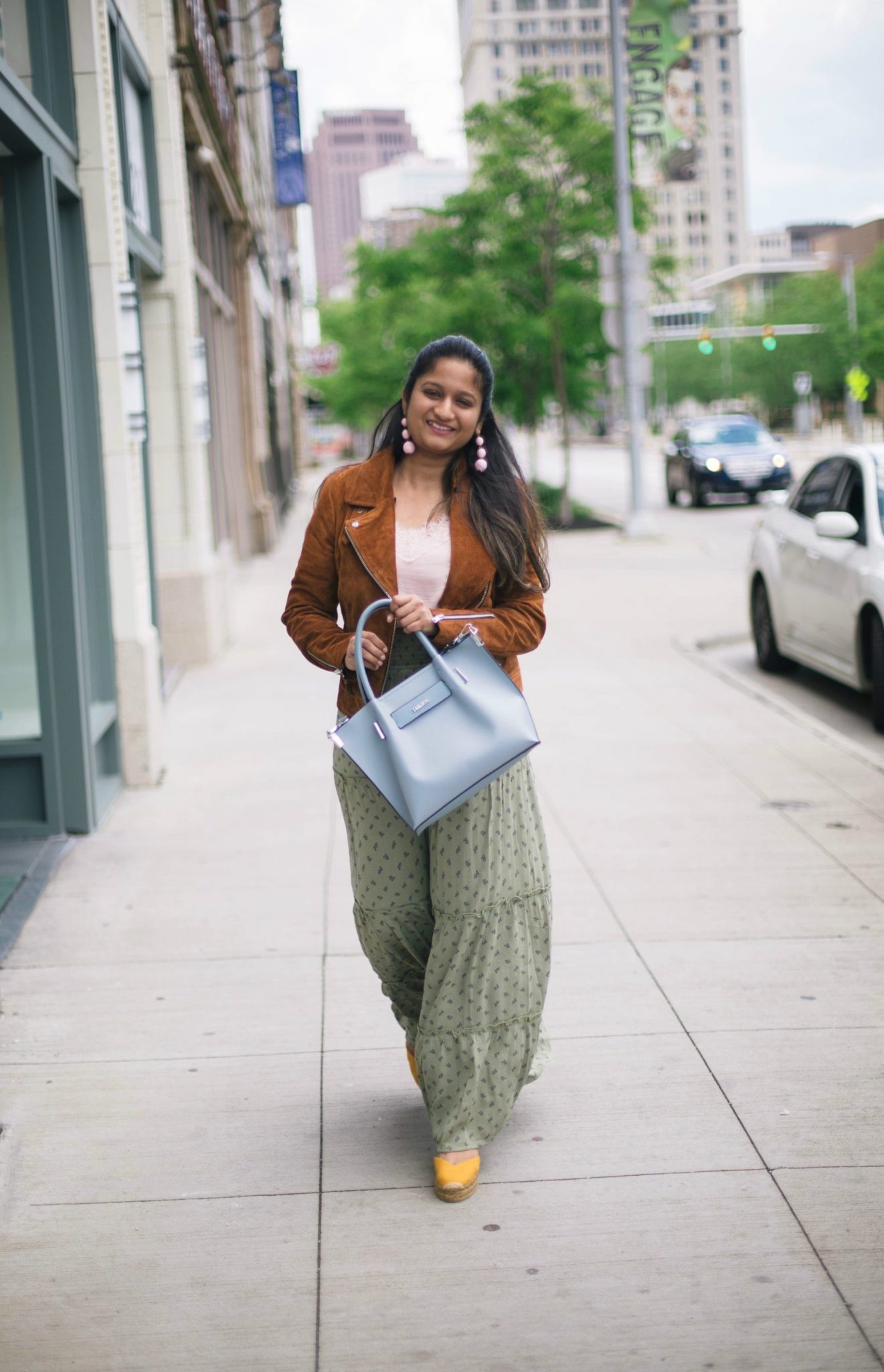 4-casual-chic-ways-to-wear-target-maxi-skirt - Maxi Skirts For Petites featured by popular Ohio modest fashion blogger, Dreaming Loud