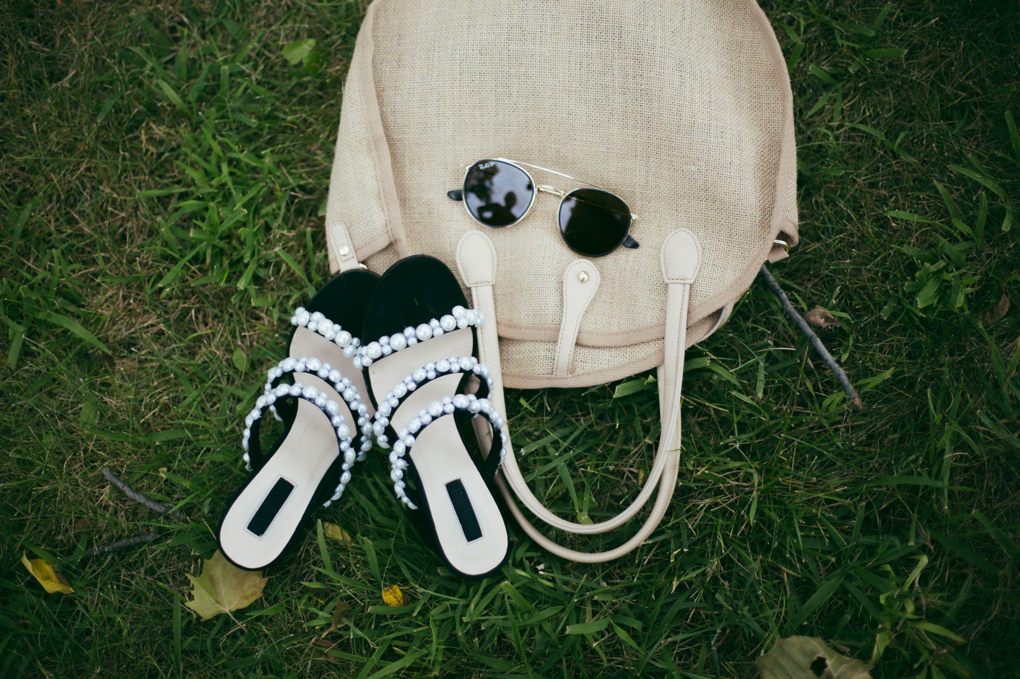 lifestyle-blogger-surekha-of-dreaming-loud-wearing-target-who-what-weave-circle-bag