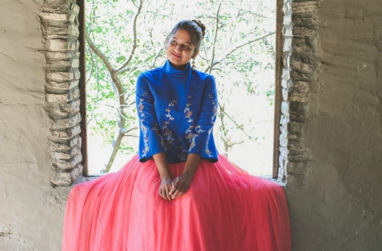 Lifestyle blogger Surekha of dreaming loud sharing Indian fusion Diwali outfits| Diwali outfit with an ASOS pink tulle maxi skirt styled by popular Ohio modest fashion blogger, Dreaming Loud