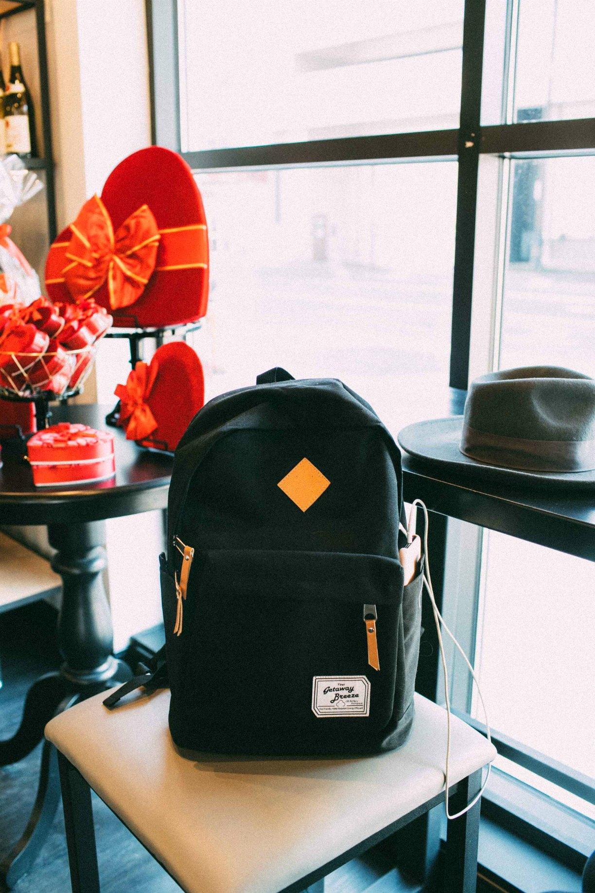 Lifestyle blog dreaming loud wearing getaway Breeze Battery Backpack 4