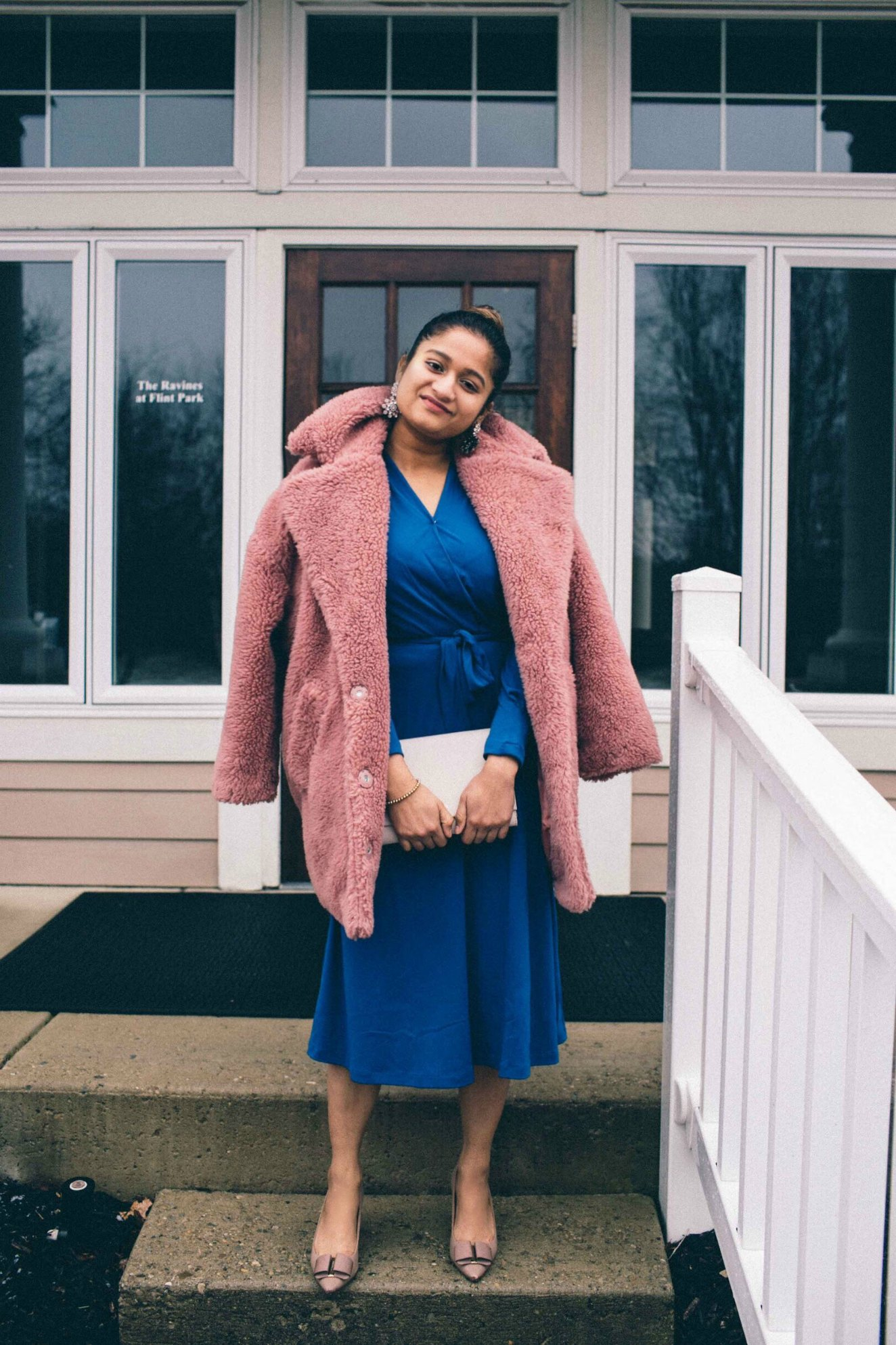 Lifestyle blog dreaming wearing H&M Creped Jersey Dress with topshop faux fur coat