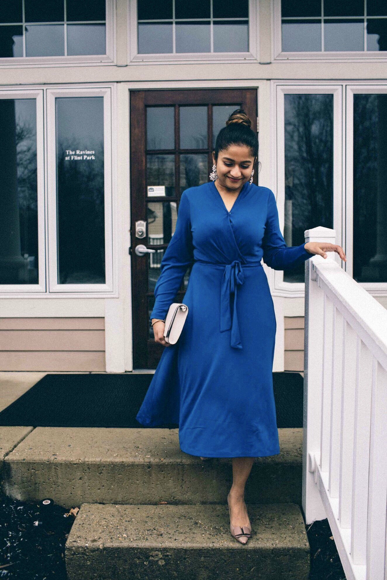Lifestyle blogger surekha of dreaming loud wearing H&M Creped Jersey Dress for Valentines day 2018 1Lifestyle blogger surekha of dreaming loud wearing H&M Creped Jersey Dress for Valentines day 2018 1