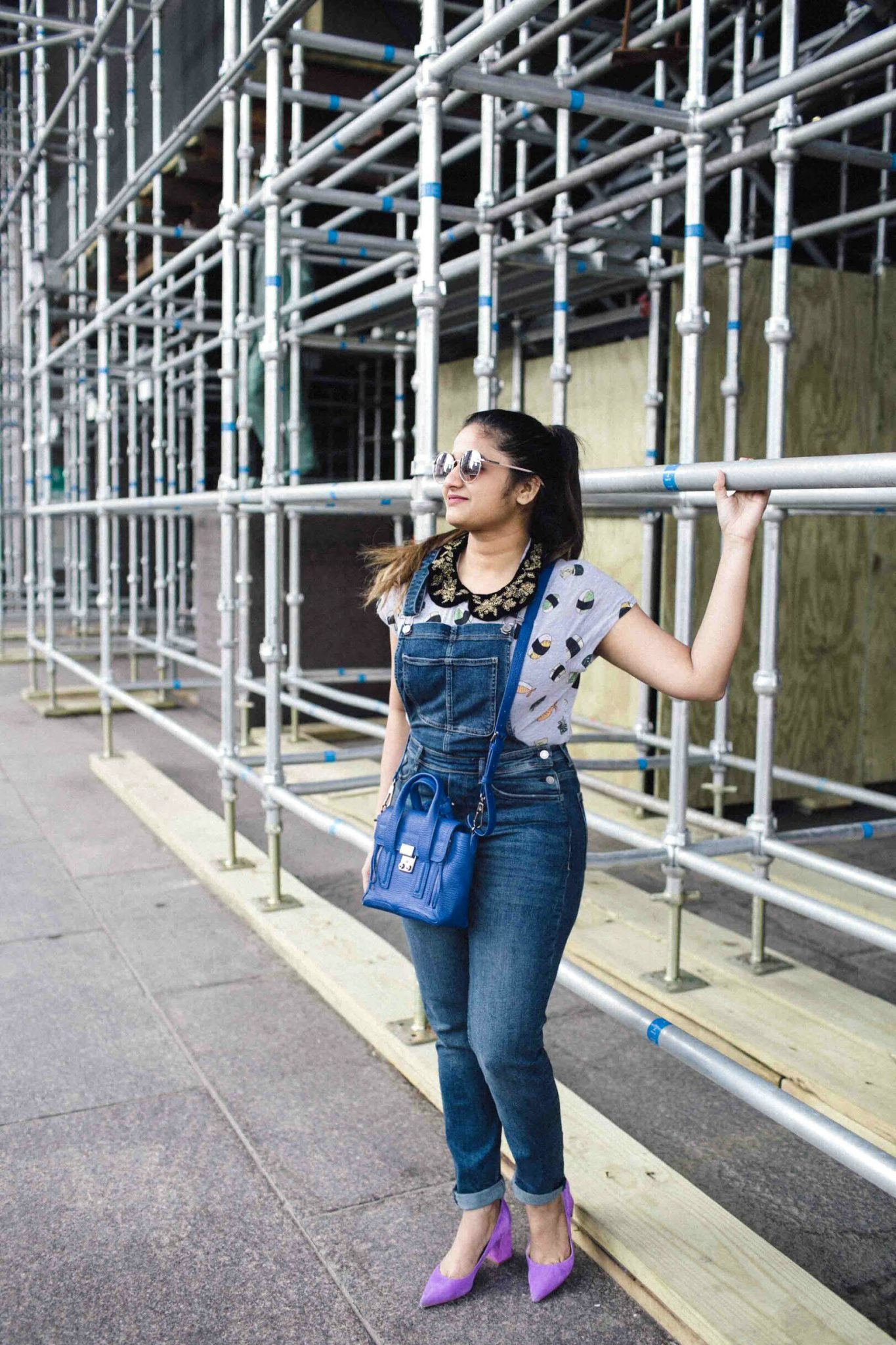 Lifestyle blogger suri of dreaming loud wearing h&m bib overalls 6 | H&M Overalls outfit featured by popular Ohio modest fashion blogger, Dreaming Loud