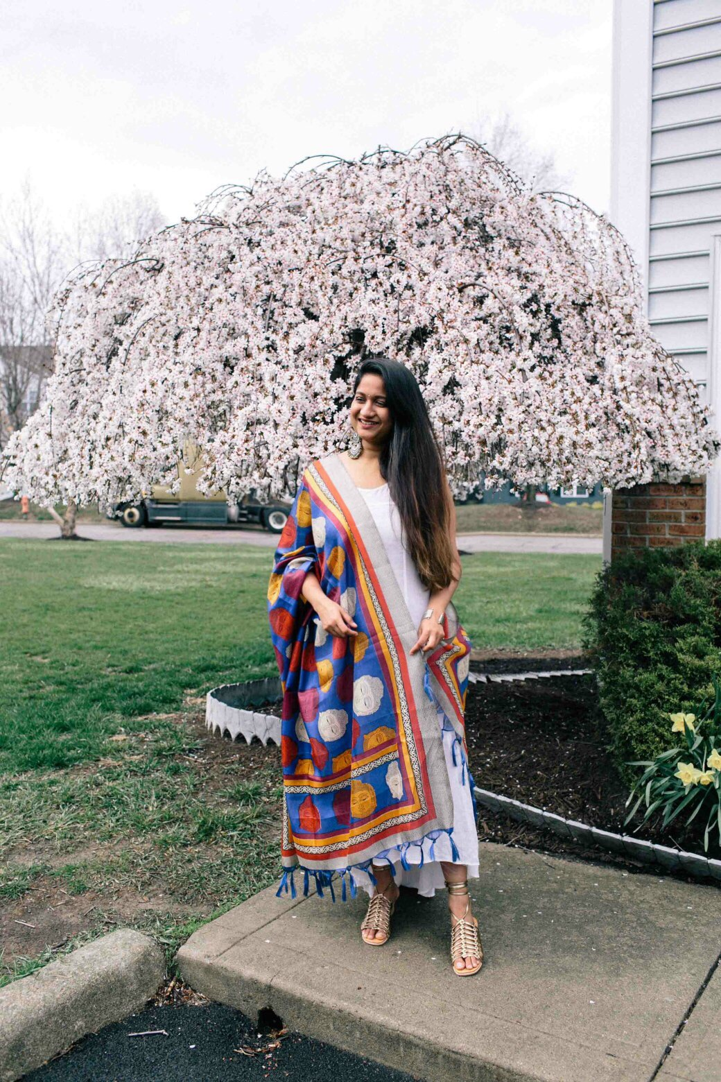 Modest Fashion and Lifestyle blog dreaming loud sharing spring 2018 into western style with anthropologie white maxi dress with varanga blue Bhagalpuri Dupatta - Indo-Western Spring Outfit featured by popular modest fashion blogger, Dreaming Loud