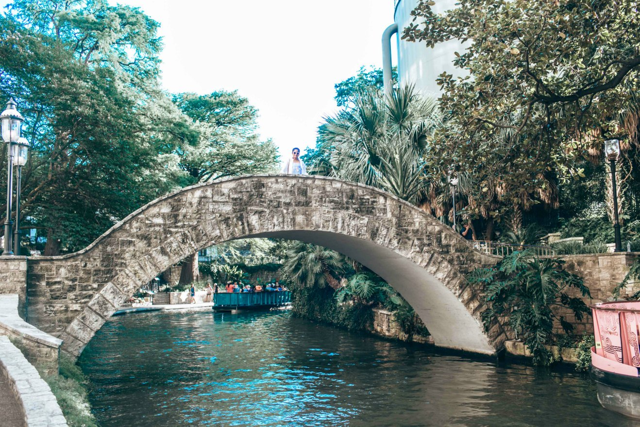 Rivewalk boat ride San Antonio - A Day in Austin and San Antonio -Attractions, Where to Eat and What to Wear featured by popular Ohio travel blogger, Dreaming Loud