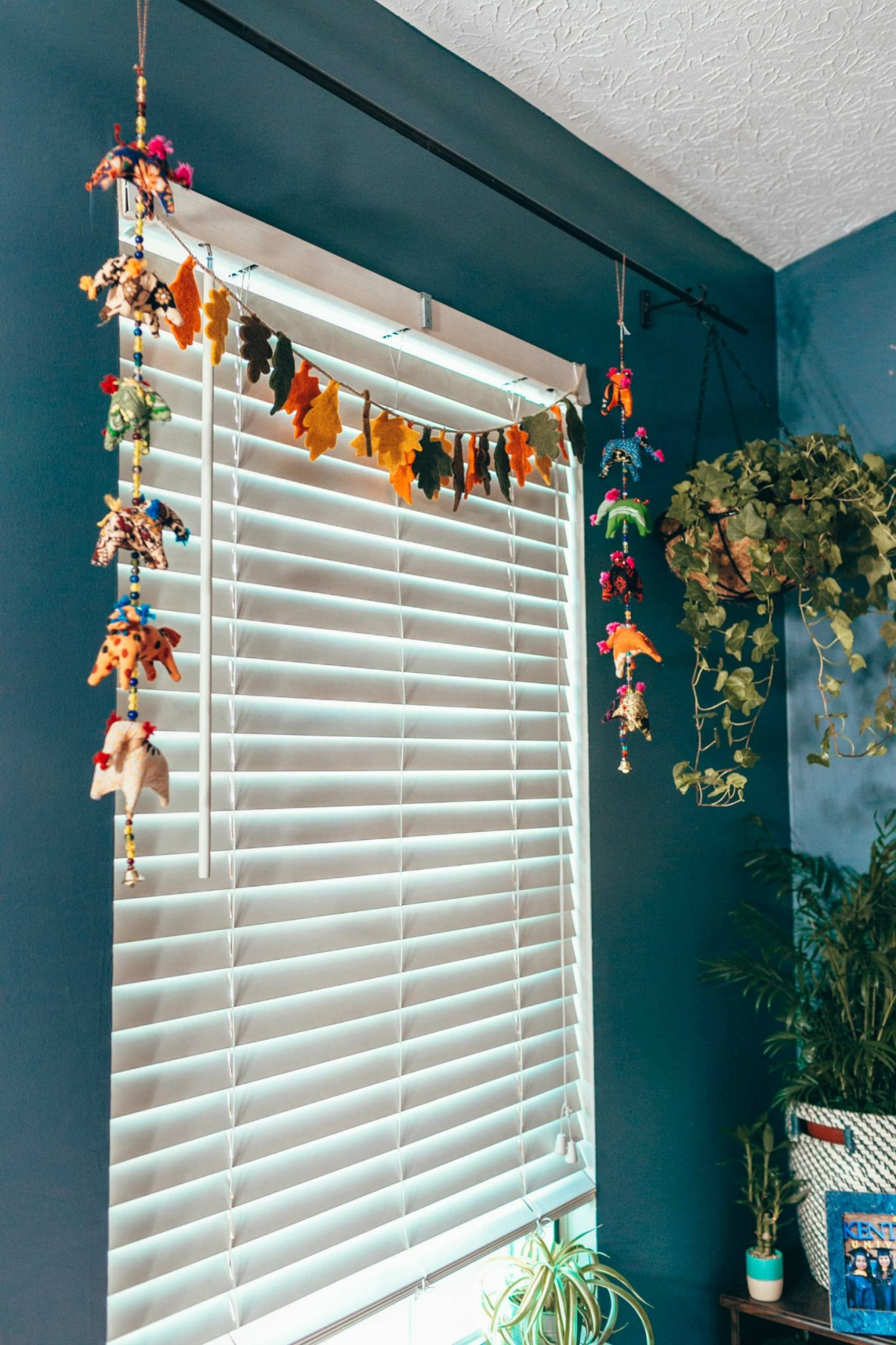 Fakes leaves garland affordable fall decor ideas