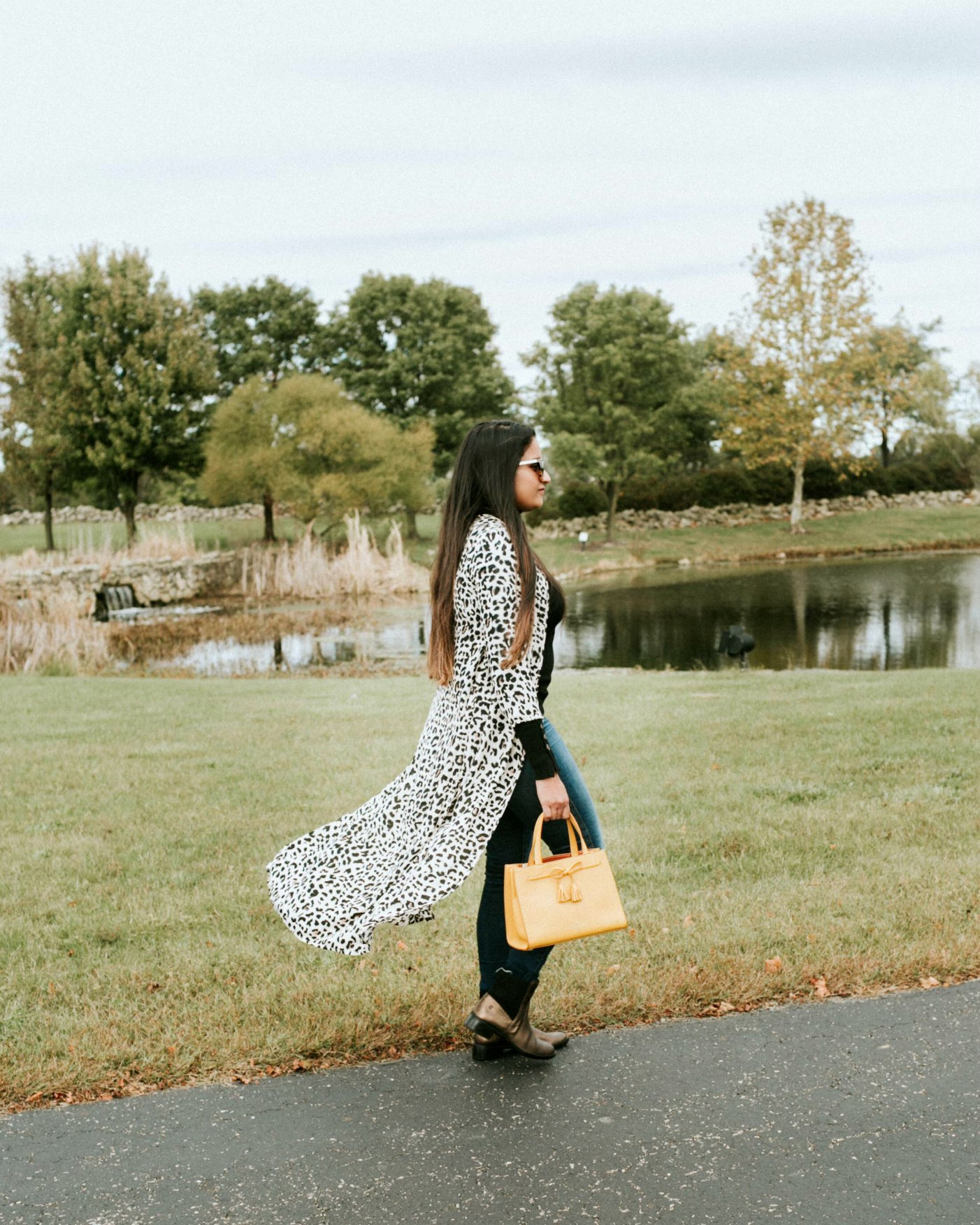How to wear long kimonos | Aetrex fall booties featured by top Ohio fashion blog, Dreaming Loud