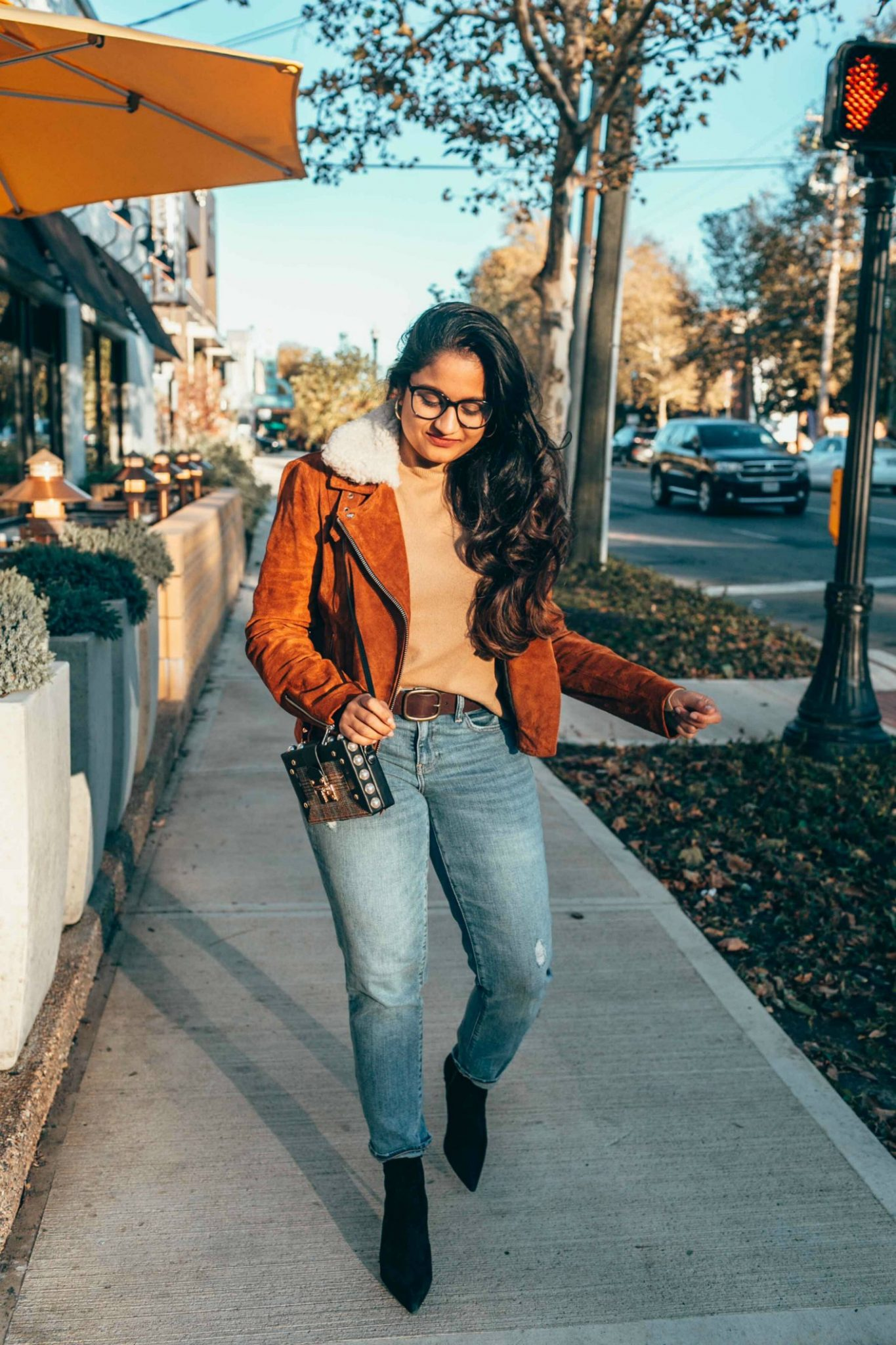 https://www.dreamingloud.com/wp-content/uploads/2018/11/How-to-wear-or-style-suede-jacket-featured-by-top-Ohio-fashion-blog-Dreaming-Loud.jpg