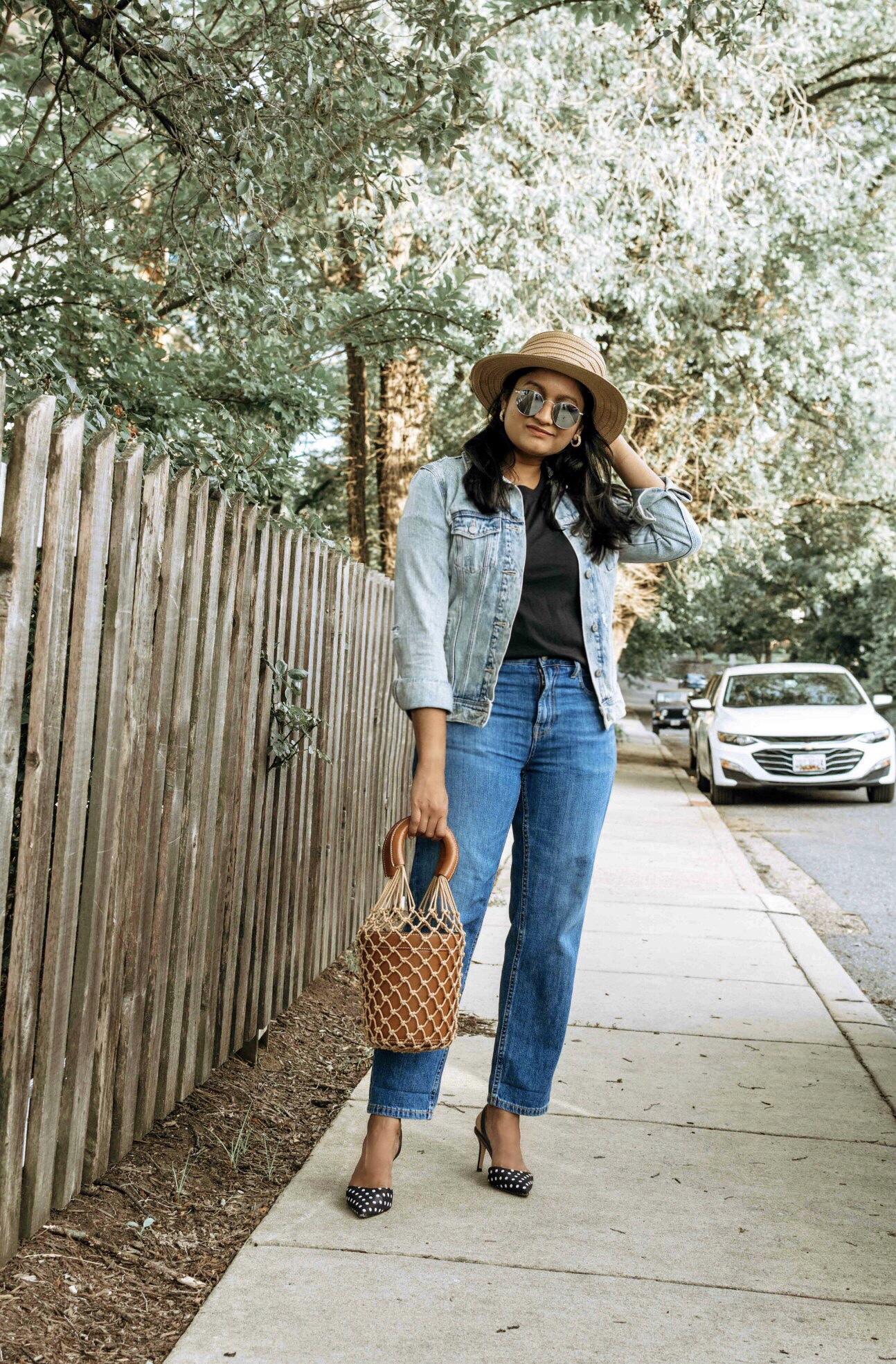 Wearing Everlane summer jeans, Cotton Box-Cut Tee,polka dot pumps, STAUD Moreau Bag 8