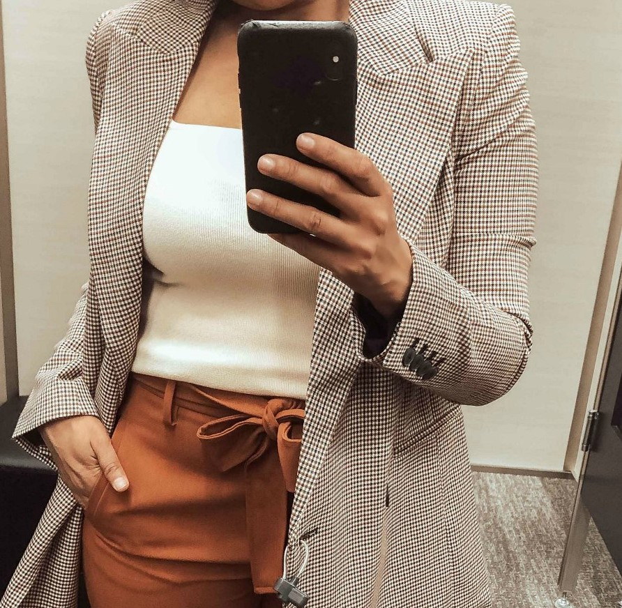 Top 10 Work Wardrobe Essentials from the 2019 Nordstrom Anniversary Sale featured by top US modest fashion blogger, Dreaming Loud: image of a woman wearing a Leith Square Neck Sleeveless Sweater 1