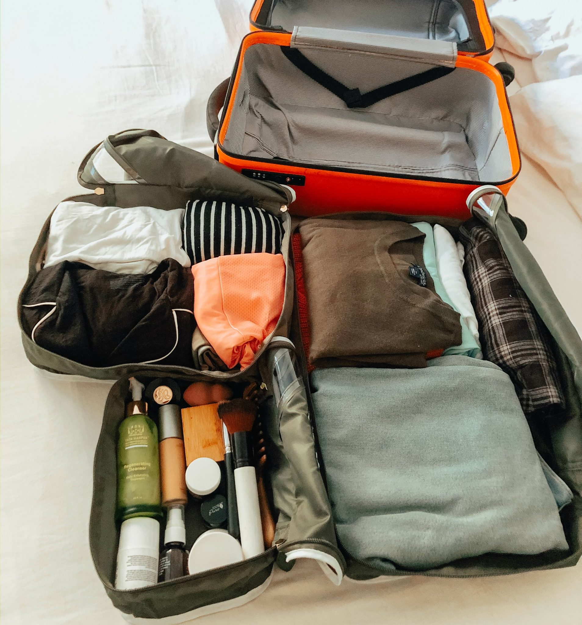 Paravel Packing Cubes: the Best Packing Cubes for a Carry On Luggage, a review featured by top US life and style blog, Dreaming Loud | track down the items again for your next trip, you can store them in a packing cube to make them