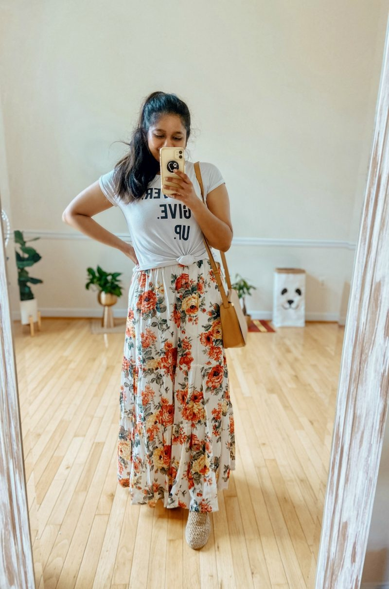 How to Knot a Shirt Using the Twist-Tee Knot Method featured by top MI modest fashion blogger, Dreaming Loud