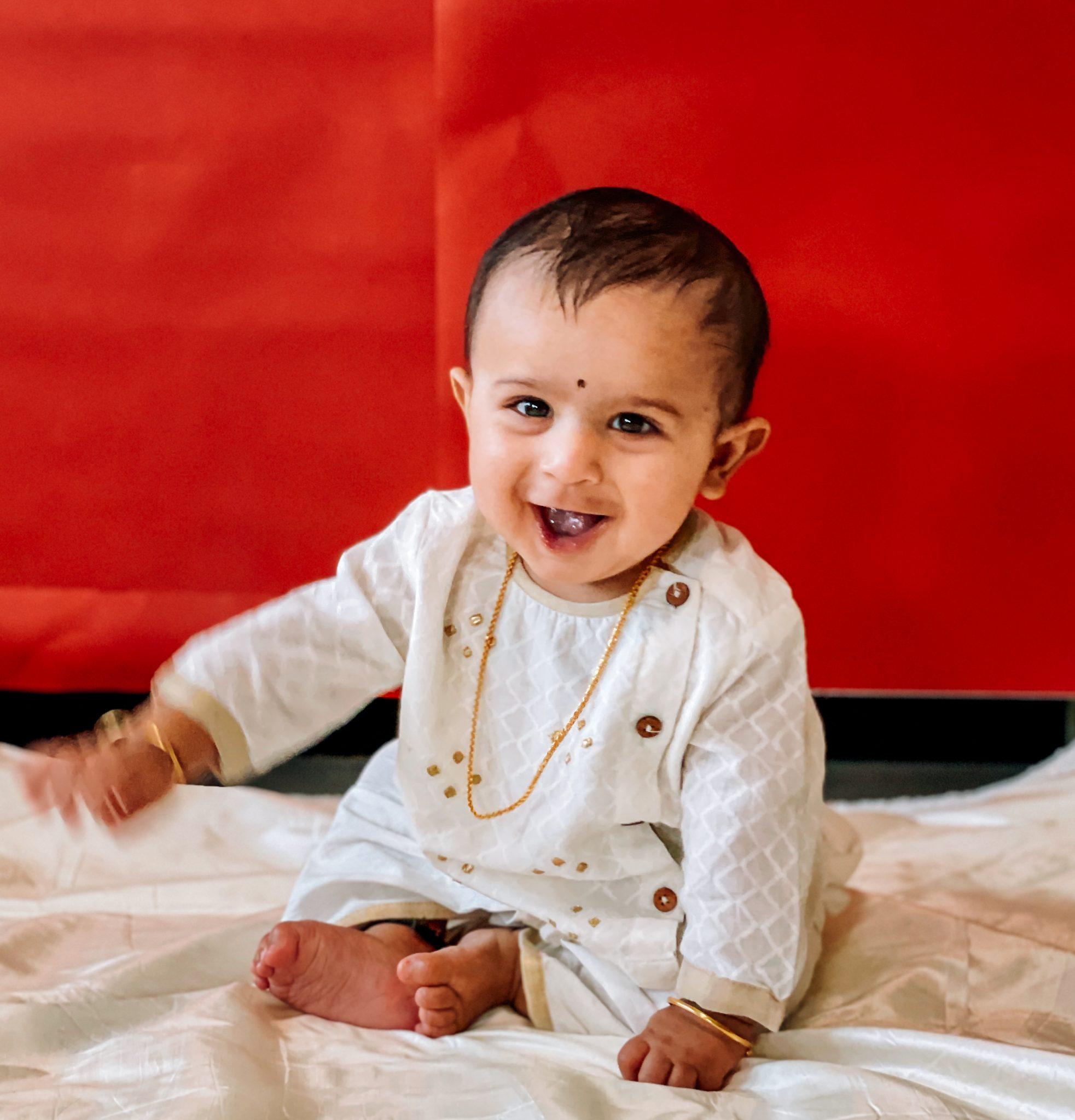 Sadu Bottu Recipe,Homemade Black Bindhi Recipe for Babies by top Maryland mom blog dreaming loud | Sadu Bottu by popular Maryland motherhood blog, Dreaming Loud: image of a baby boy with a bindhi dot.