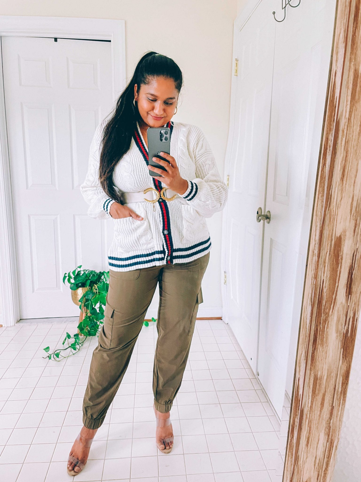 How to wear cargo joggers, tips featured by top US modest fashion blogger, Dreaming Loud: image of a woman wearing Banana Republic cargo joggers